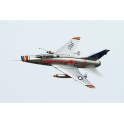 FBJets FeiBao F-100 D Super Sabre Schaal 1 :5,5 voor 180 Newton Turbine